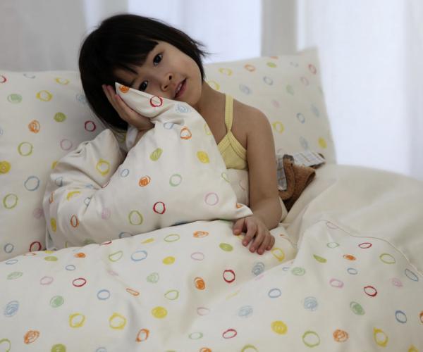 cotonea satin bettw sche kritzelkreise allsana produkte. Black Bedroom Furniture Sets. Home Design Ideas